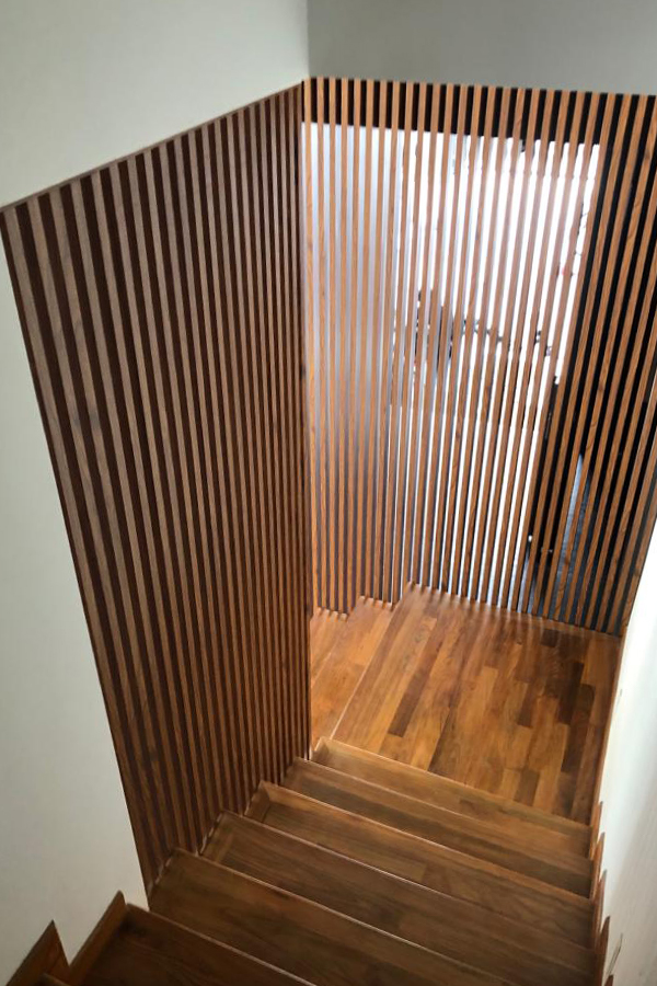 staircase privacy screen