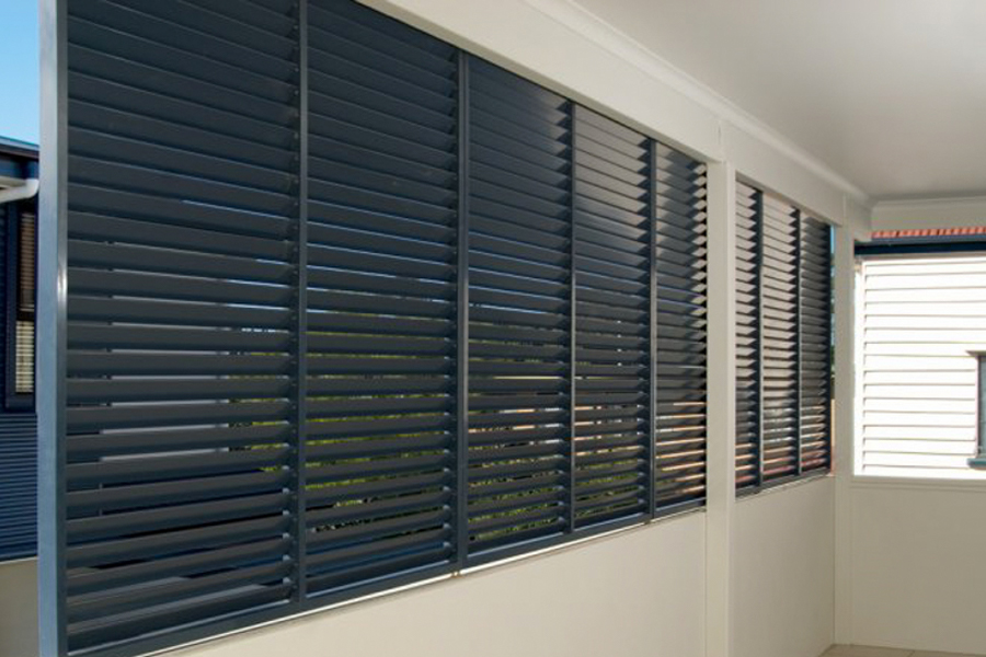 ventilated louvred screen